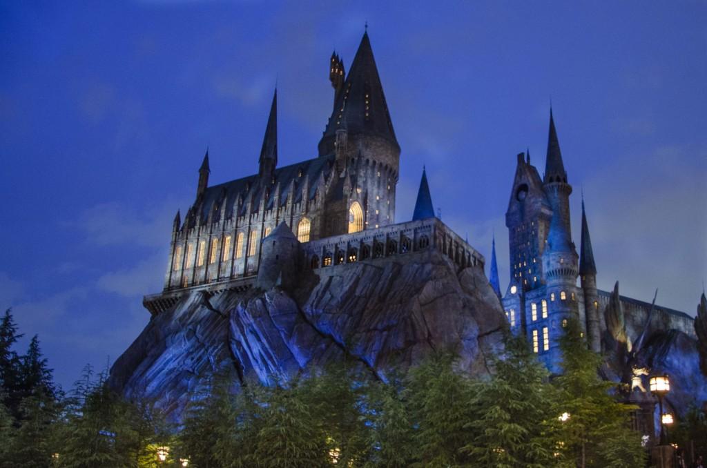 夜のホグワーツ魔法魔術学校