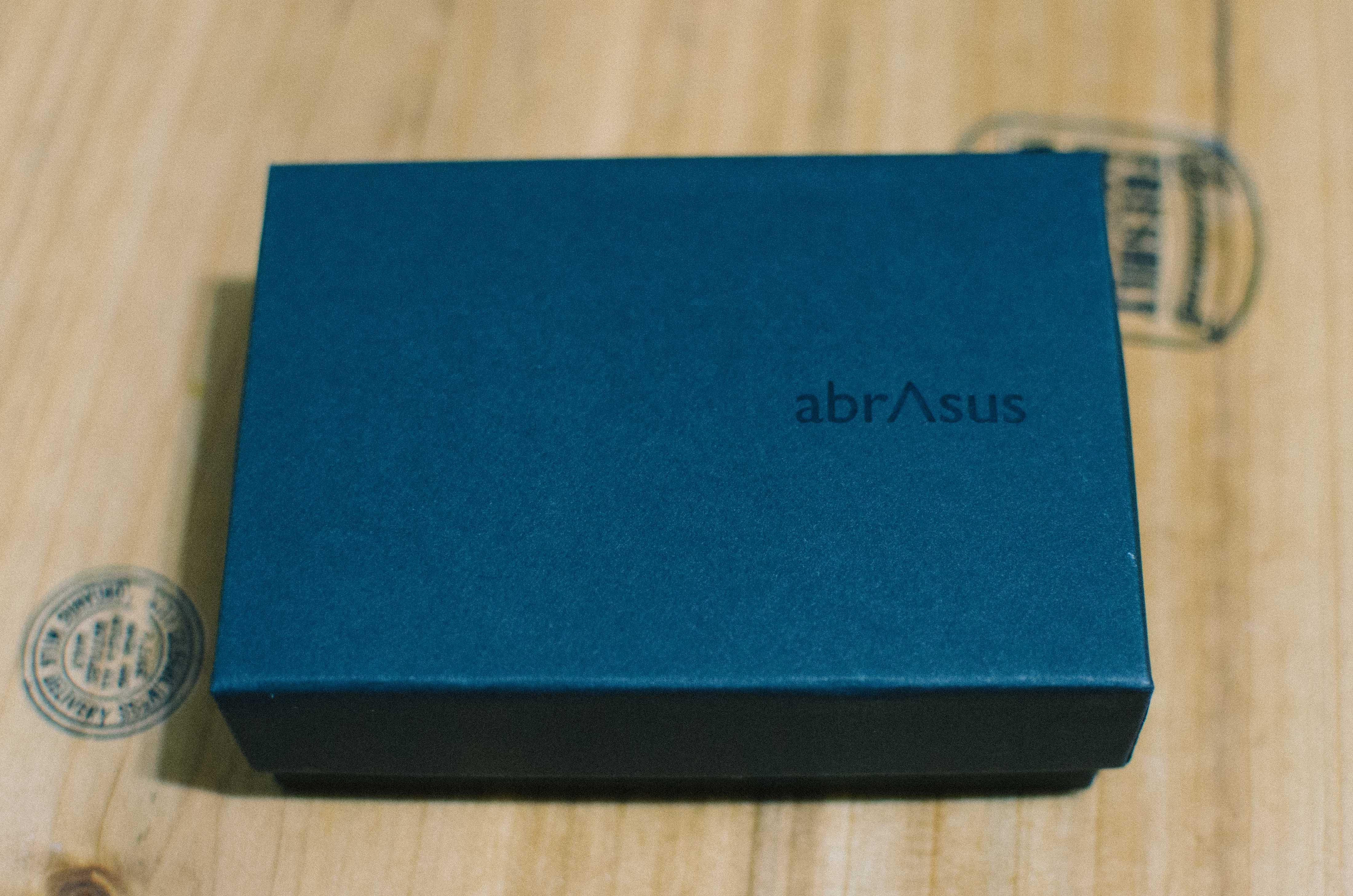 アブラサスの外箱