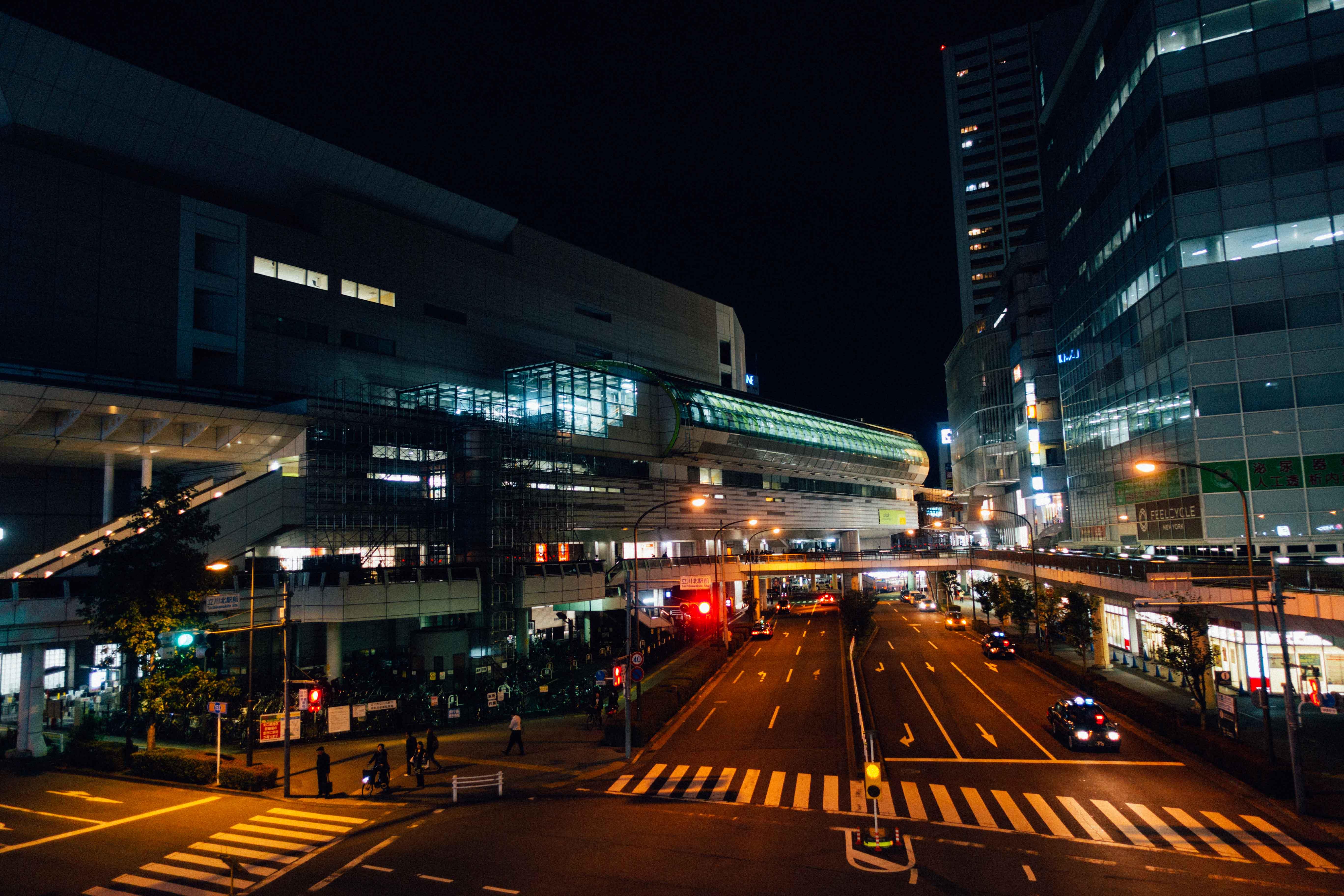 立川駅前風景
