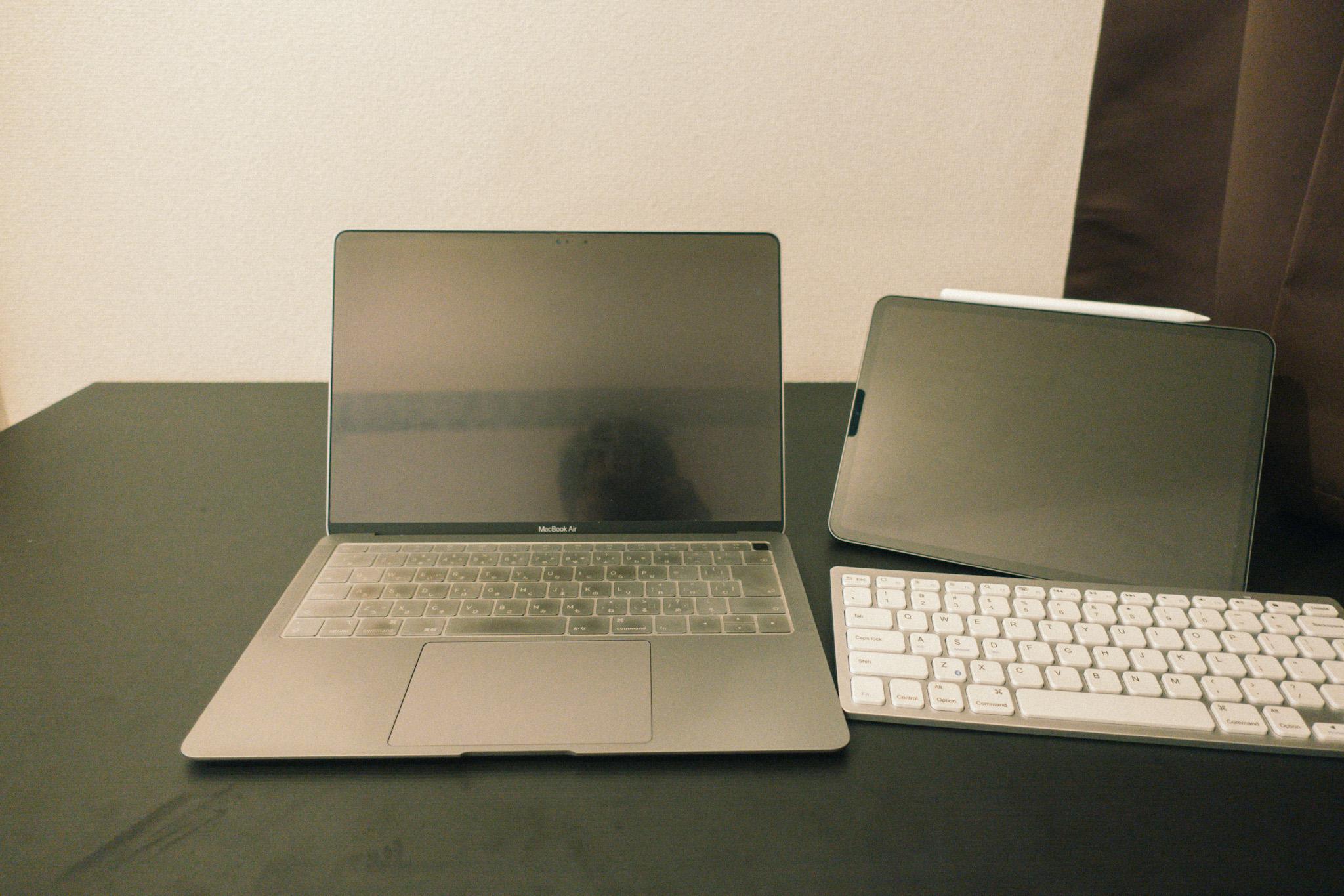 Mac&iPadテーブル