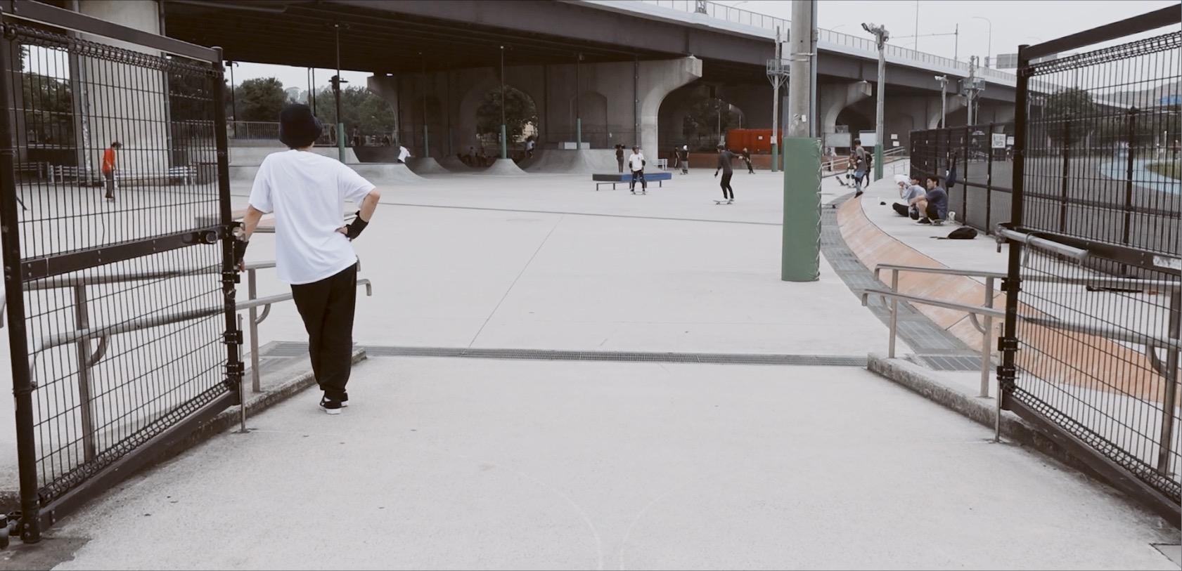 新横浜スケボー広場