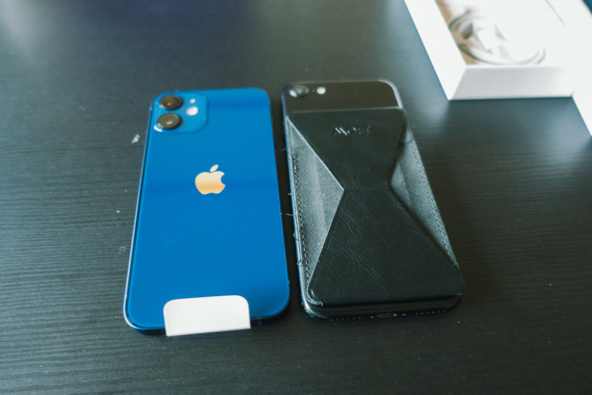 iPhone12miniとiPhone7