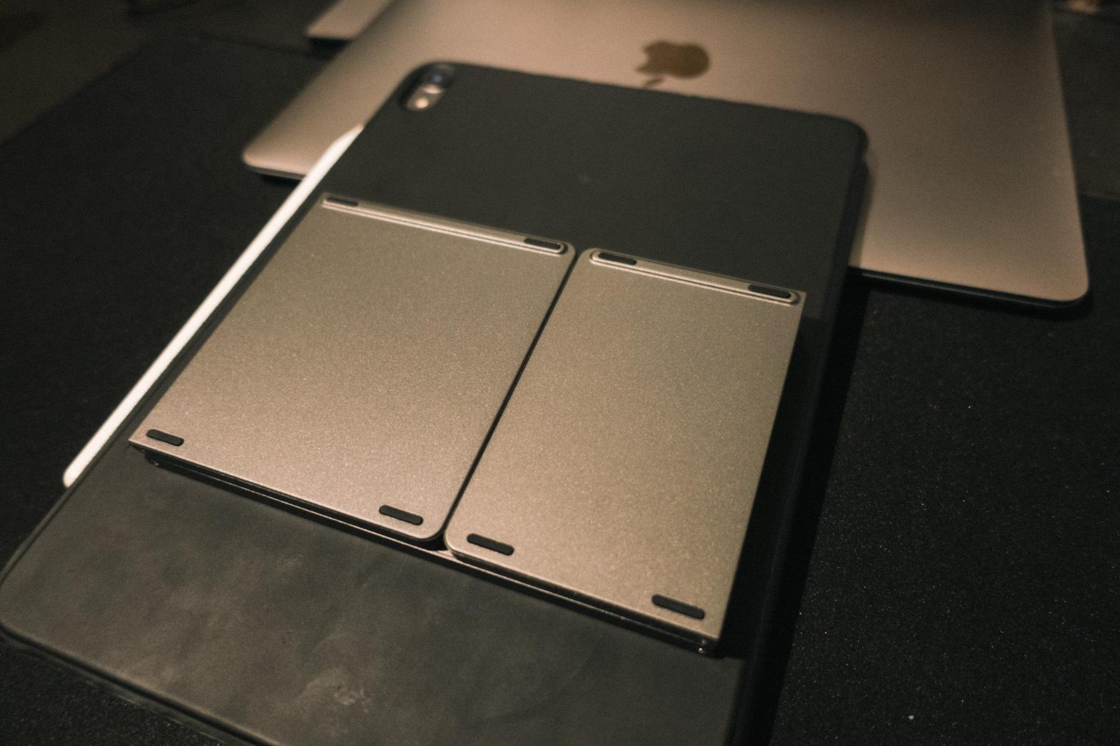 Ewin® 折りたたみ式 Bluetoothキーボード畳んだ状態